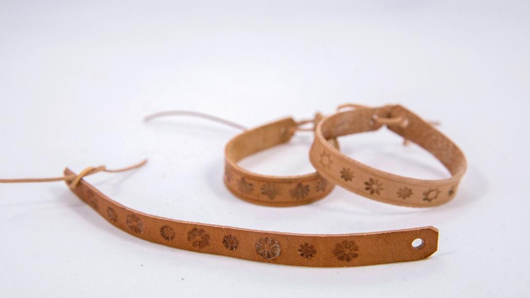 Výroba náramku z hovädzej kože